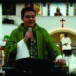Padre Robson chefiou com delegada inquérito feito por 'baixo dos panos' contra chantageador, apontam investigadores