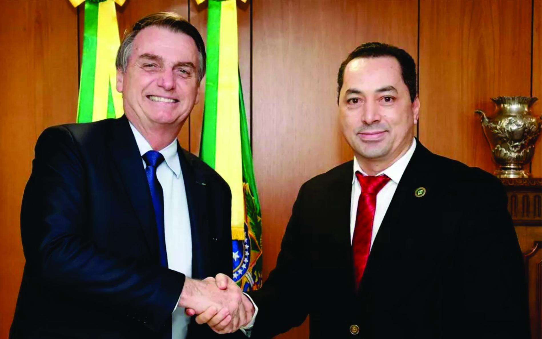 Empresário que organizou almoço de Bolsonaro com sertanejos está intubado com Covid-19 em hospital de Goiânia
